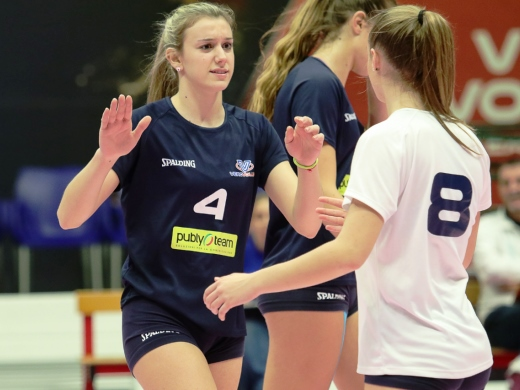 Abbraccio-Vero-Volley-Publyteam-Monza